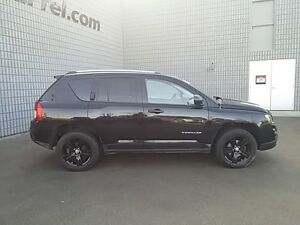 2012 Jeep Compass North 4x4 HEATED SEATS SUNROOF BLACK PAINTED A London Ontario image 8