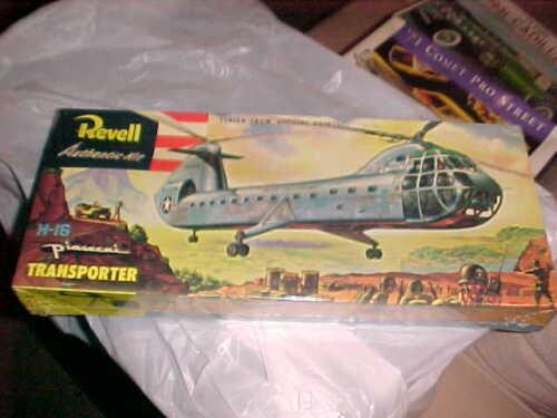 REVELL-----H-18 PIASECKI TRANSPORTER