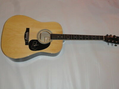 Sara Evans Signed Natural Acoustic Guitar Country Superstar Proof