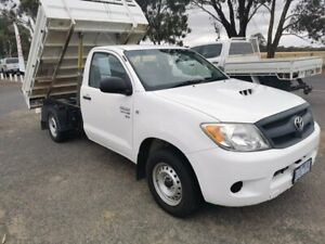 2006 Toyota Hilux KUN16R MY07 SR 4x2 White 5 Speed Manual Cab Chassis Horsham Horsham Area Preview