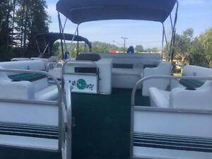***CHEAP CHEAP CHEAP*** 18' SUN PARTY PONTOON WITH 40HP MERC Peterborough Peterborough Area image 4