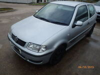 VW Polo N/S Front Wing Breaking For Parts (2001)