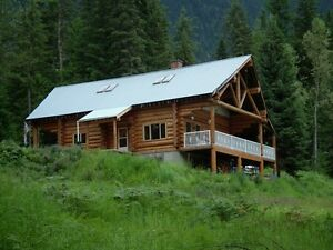 Stunning Log Home On 10 Acres!