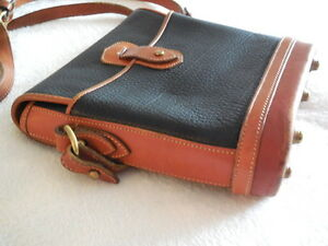 AUTHENTIC PRE OWNED DOONEY & BOURKE VINTAGE CROSS BODY BAG /USA North Shore Greater Vancouver Area image 5