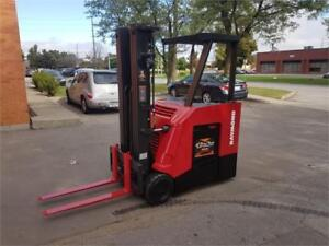 Electric Raymond 425-C40TT Stand Up Forklift 2013