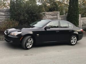 2010 BMW 528 AWD, One Owner, Fully Loaded