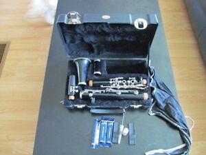 Yamaha YC-24 Clarinet and case