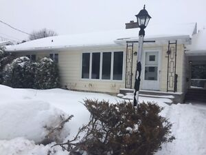 Available March 1 - House for rent near UNB/STU Valleyview Ct
