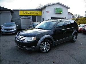 2009 Ford Taurus X  . 6 PASSAGERS