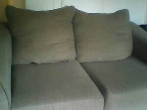 Gray LOVESEAT. good condition. pickup only NO delivery!! Windsor Region Ontario image 1