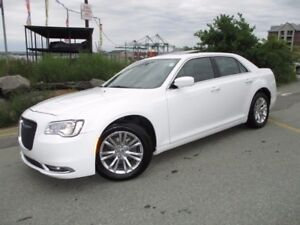 2016 Chrysler 300 TOURING V6 REDUCED TO $23977!!! (PANORAMIC ROO