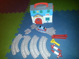 Thomas the Train Sodor Engine Works and Water Tower Take-Along