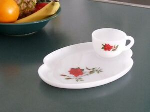 dishes- red rose luncheon plate with tea cup