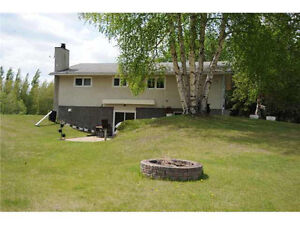 RARE FIND! Acreage house for rent in Edmonton city!