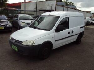 2009 Holden Combo XC MY10 White 5 Speed Manual Van Punchbowl Canterbury Area Preview