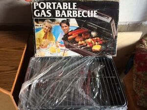 GAS BBQ PORTABLE - BRAND NEW / GREAT FOR CAMPING!