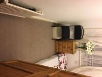 Single room in Thornton Heath . Inclusive of all bills £300 pcm . CR7 6DT . Available Now!!!