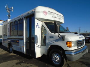 2005 FORD ECONOLINE E450 SUPER DUTY CUTAWAY BUS--V8 TURBO DIESEL
