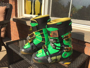 ski boots for sale 2 sizes