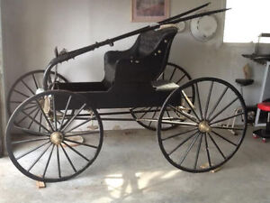 BUGGY--RESTORED--AMISH ANTIQUE BUGGY--REDUCED to $800--it cost $