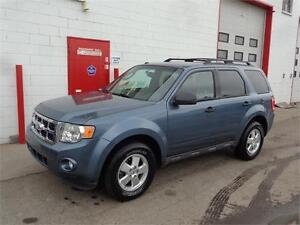 2012 Ford Escape XLT ~ One owner/no accident ~ 90,000km ~ $9999