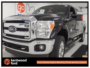 2016 Ford F-350 6.7L V8 with NAV, sunroof, power leather seats!