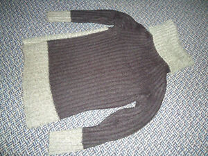 Ladies Size Small Acrylic Black and Grey Sweater Kingston Kingston Area image 4