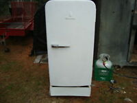 SERVEL PROPANE FRIDGE