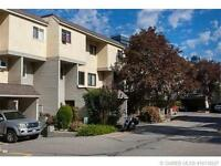 KELOWNA TOWNHOME 3BED 2 BATH