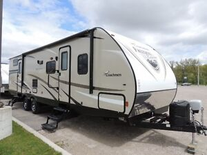 2017 Coachmen Freedom Express 310 BHDS Bunkhouse Travel Trailer