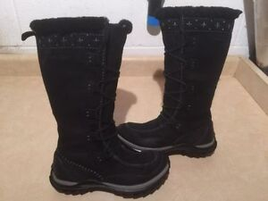 Women's CATerpillar PolarTec Insulated Winter Boots Size 7.5 London Ontario image 1