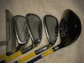 Junior Dunlop Loco golf clubs, excellent condition