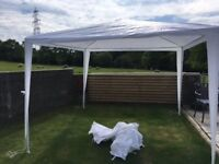 3m x 3m white Gazebo absolutely perfect condition, if you need one, you'll buy this one