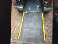 Peugeot Partner wheelchair access vehicle disabled ramp. WAV FSH RARE 5 seater