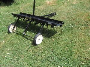 usage dechaumeuse  AGRI-FAB  no(45-02941 ) pour tracteur gazon