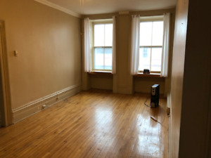 Downtown 2 Bed Apartment - Parking Included - Available June 1st