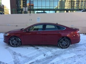 2013 FORD FUSION AWD SE - VERY LOW MILEAGE