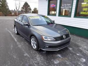 2015 Volkswagen Jetta TDI Highline only $207 bi-weekly all in!