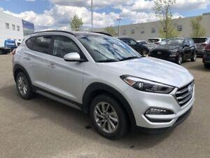 2018 Hyundai Tucson SE - Leather, Sunroof, Backup Camera!