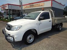 2010 Toyota Hilux KUN16R MY11 Upgrade SR White 5 Speed Manual Cab Chassis Sandgate Newcastle Area Preview