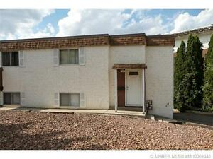 BEAUTIFULLY REDONE CONDO CLOSE TO DOWNTOWN & HOSPITAL!