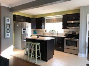 Beautiful, open concept upper unit,  great location in Oshawa!