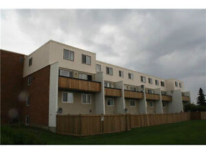 Large Two Story Condo 2BR Across WEM West End Thorncliffe