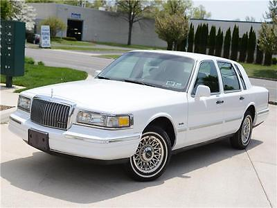1997 Lincoln Town Car Executive Nice And Clean No Reserve Used