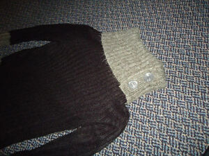 Ladies Size Small Acrylic Black and Grey Sweater Kingston Kingston Area image 3