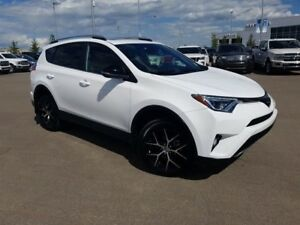 2018 Toyota RAV4 SE-2.5L 4-Cyl Engine, Leather, SunRoof, Reverse