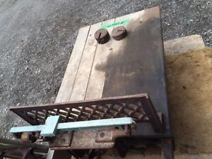 REDUCED Antique scale and sleigh London Ontario image 2