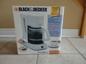 Black and Decker 12 cup coffee maker white color Like new in box