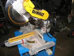 Dewalt 305mm Compound Mitre Saw Donnybrook Donnybrook Area Preview
