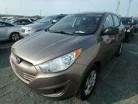 2010 Hyundai Tucson Low Kilometers, 4 cylinder, all wheel drive!